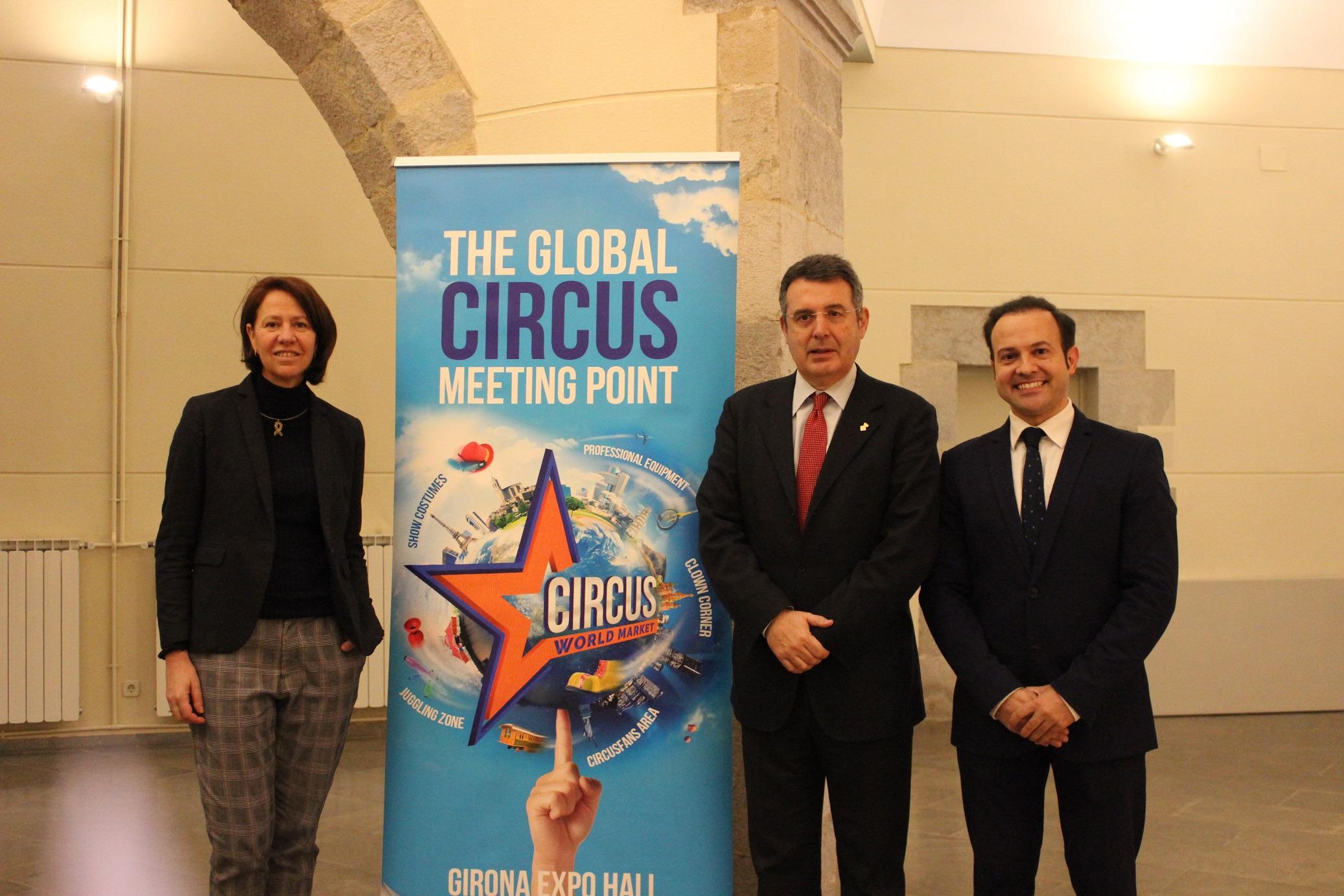 Marta Madrenas participa a la presentació del programa del Festival Internacional del Circ Elefant d'Or Girona.