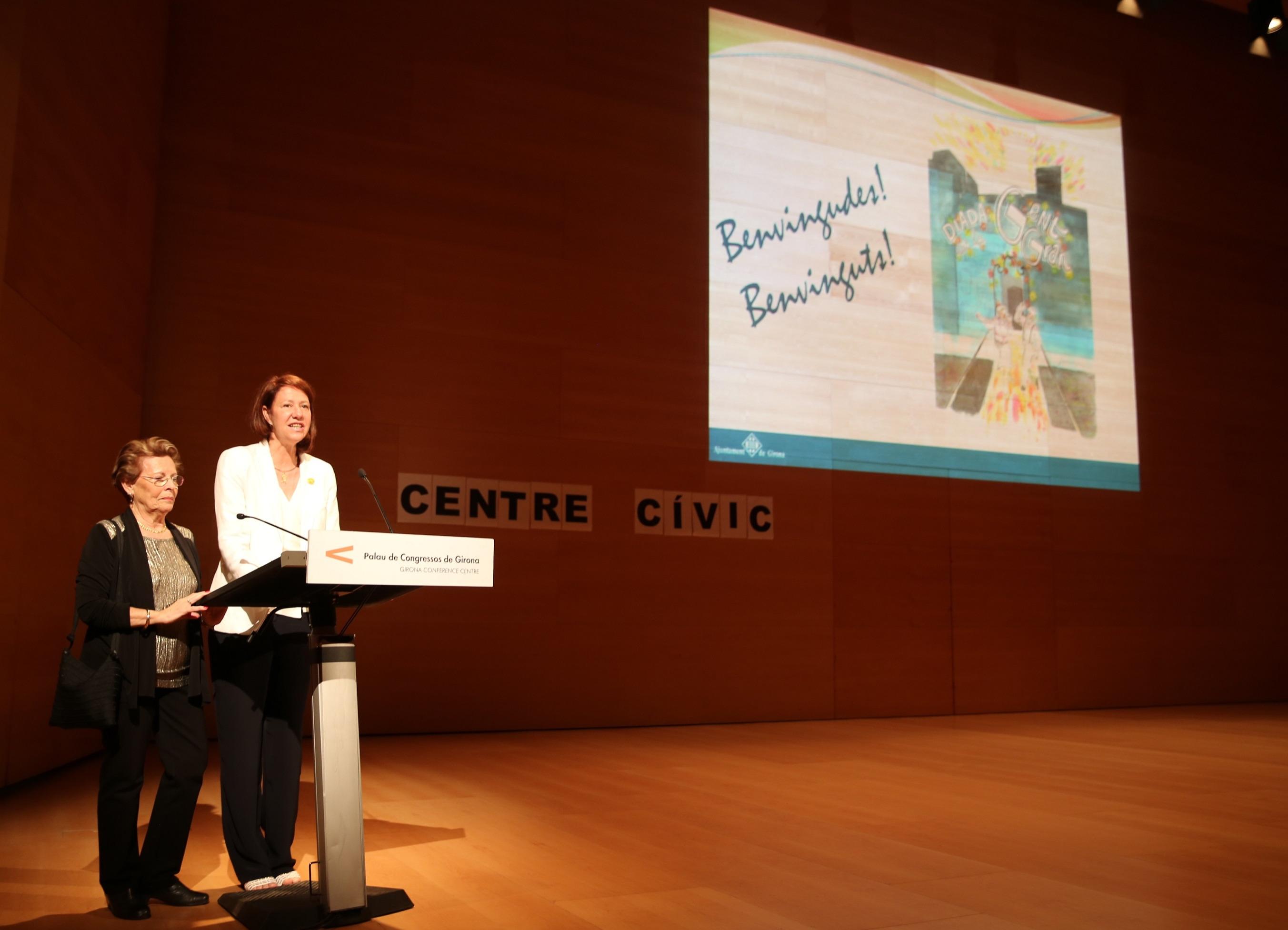 L'alcaldessa de Girona, Marta Madrenas, participa a la Diada de la Gent Gran.