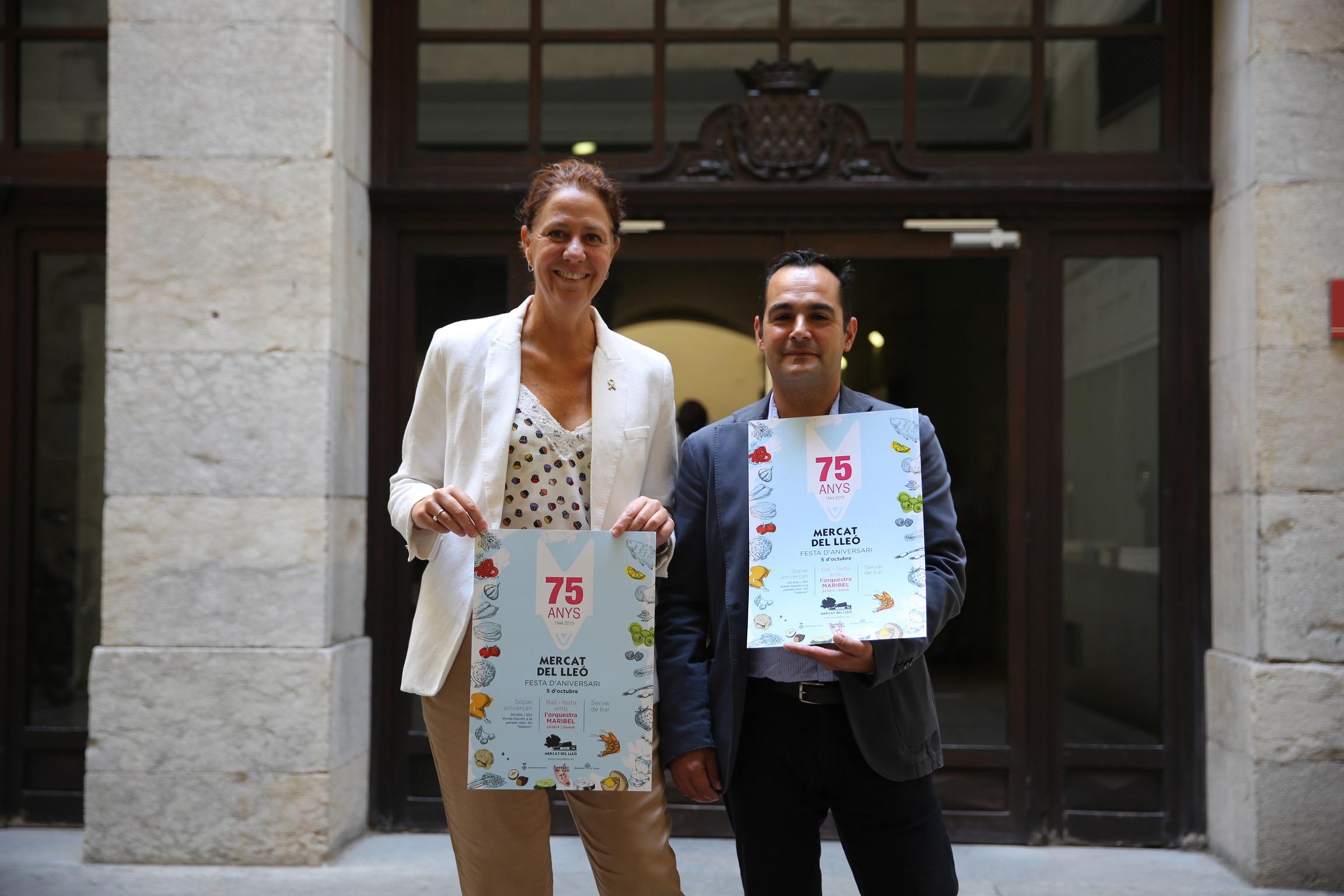 Marta Madrenas presenta les activitats del 75è aniversari del Mercat del Lleó.