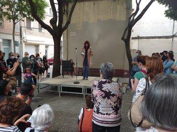 L'alcaldessa de Girona participa en l'acte de la nova plaça Pepa Bouis, un espai a Sant Narcís