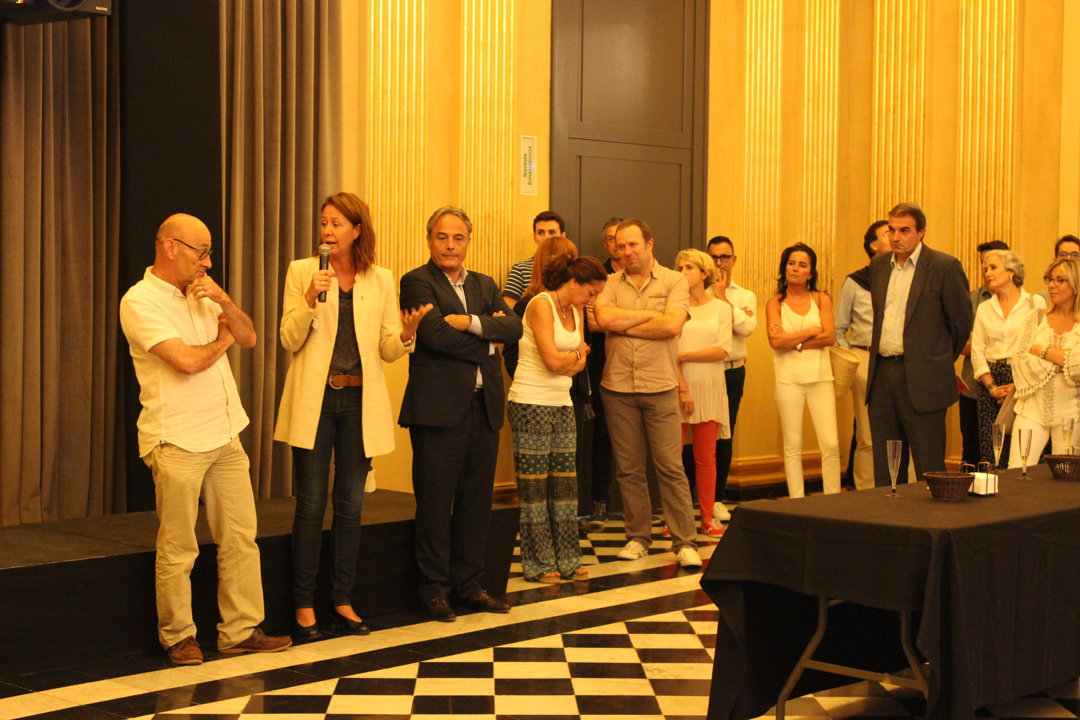 L'alcaldessa de Girona presenta el Temporada Alta 2017 als mecenes del festival.