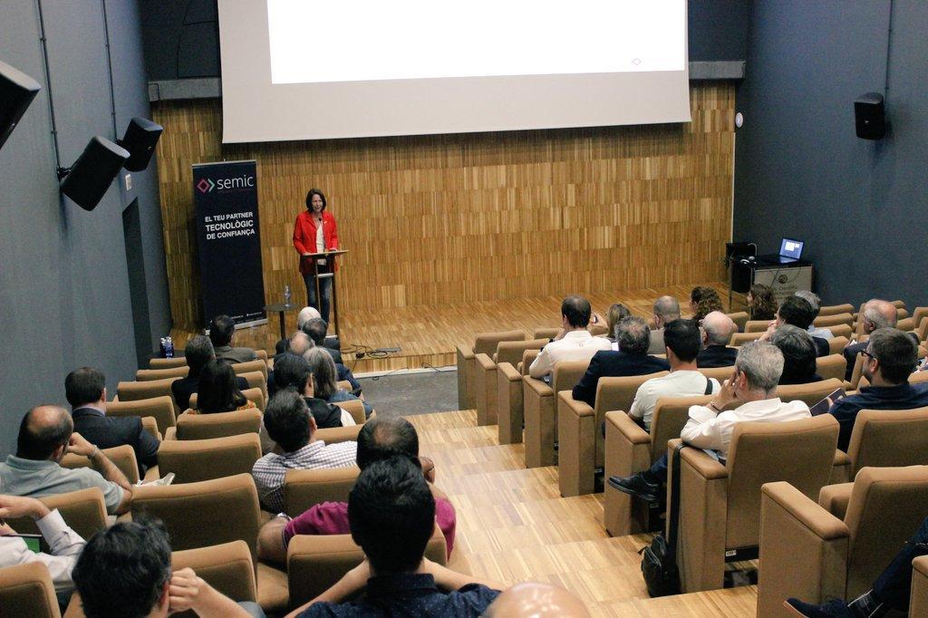 Madrenas inaugura la nova delegació de SEMIC a Girona.