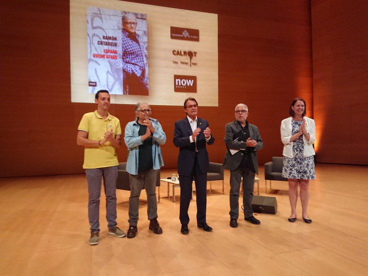 Madrenas participa a la presentació del llibre