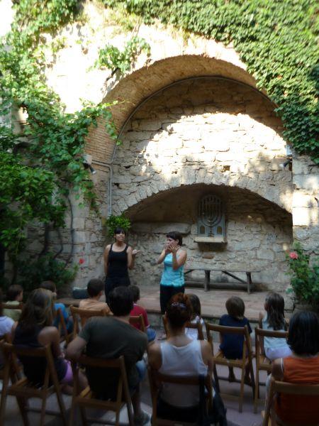 Leyendas de la tradici�n jud�a adaptadas a la lengua de signos catalana