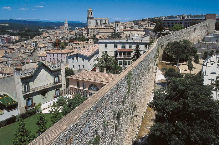 El ensanche medieval turismo ayuntamiento de girona for Oficina de extranjeria girona