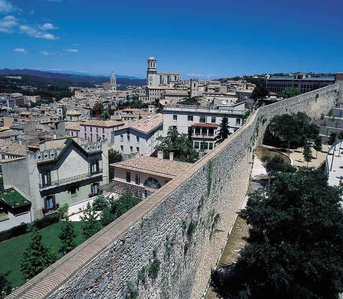 Les muralles turisme ajuntament de girona for Oficina de turisme girona