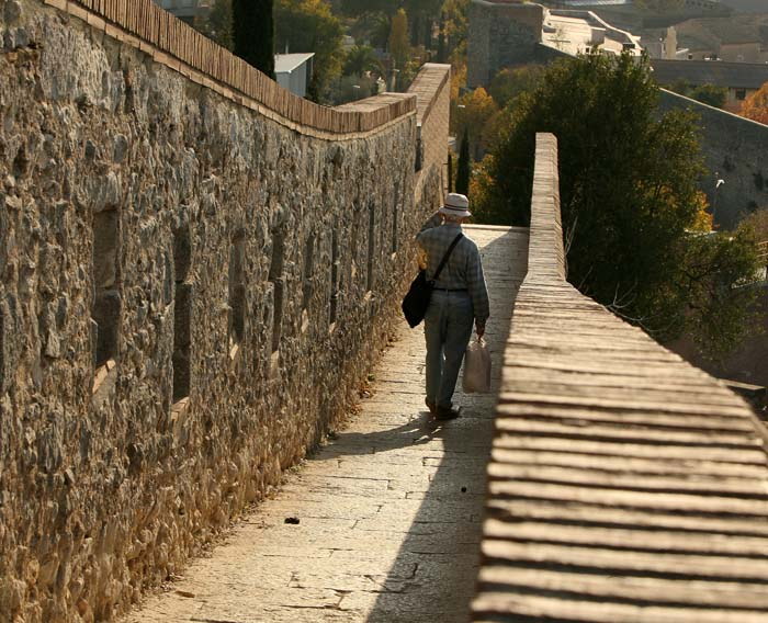Las murallas turismo ayuntamiento de girona for Oficina de turisme girona