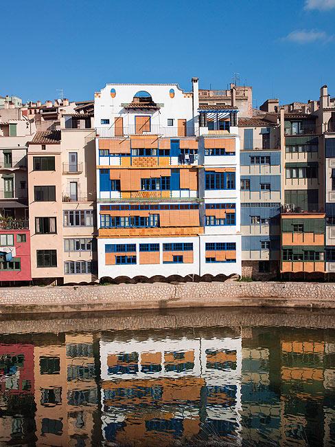 Arquitectura modernista y novecentista turismo for Oficina de turisme girona
